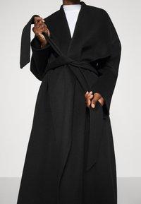 IVY & OAK - BATHROBE COAT - Classic coat - black - 5