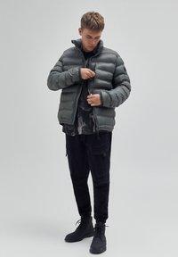 PULL&BEAR - Winter jacket - khaki - 1