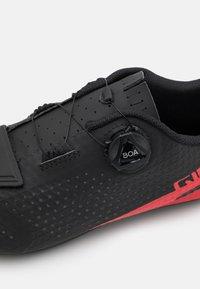 Giro - GIRO CADET - Fietsschoenen - black/bright red - 5
