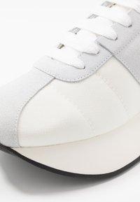 Marni - Sneakers - beige - 5