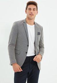 Trendyol - Blazer jacket - black - 3