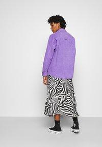 Monki - CONNY LI  - Button-down blouse - lilac purple - 2