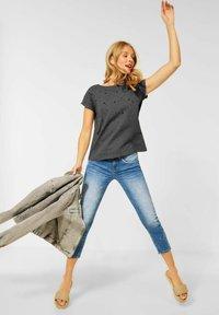 Street One - Basic T-shirt - mottled light grey - 0