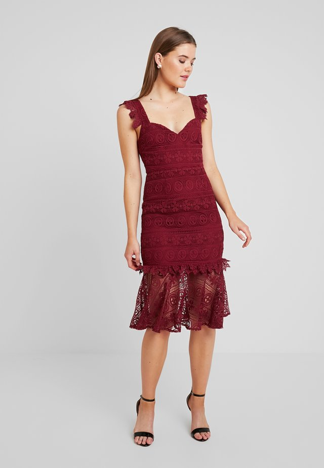 CASCADE MIDI DRESS - Cocktail dress / Party dress - bordeaux