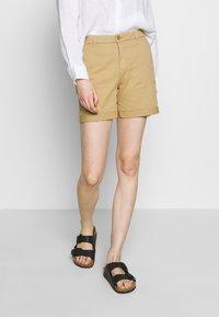 Benetton - BERMUDA - Shorts - beige - 0