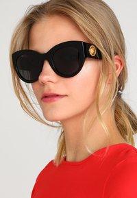 Versace - Sonnenbrille - black - 1