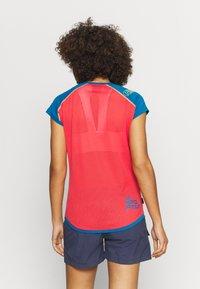 La Sportiva - CORE - T-shirt con stampa - celery/neptune - 2