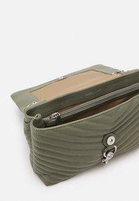 Rebecca Minkoff - EDIE FLAP SHOULDER - Handbag - mist - 2