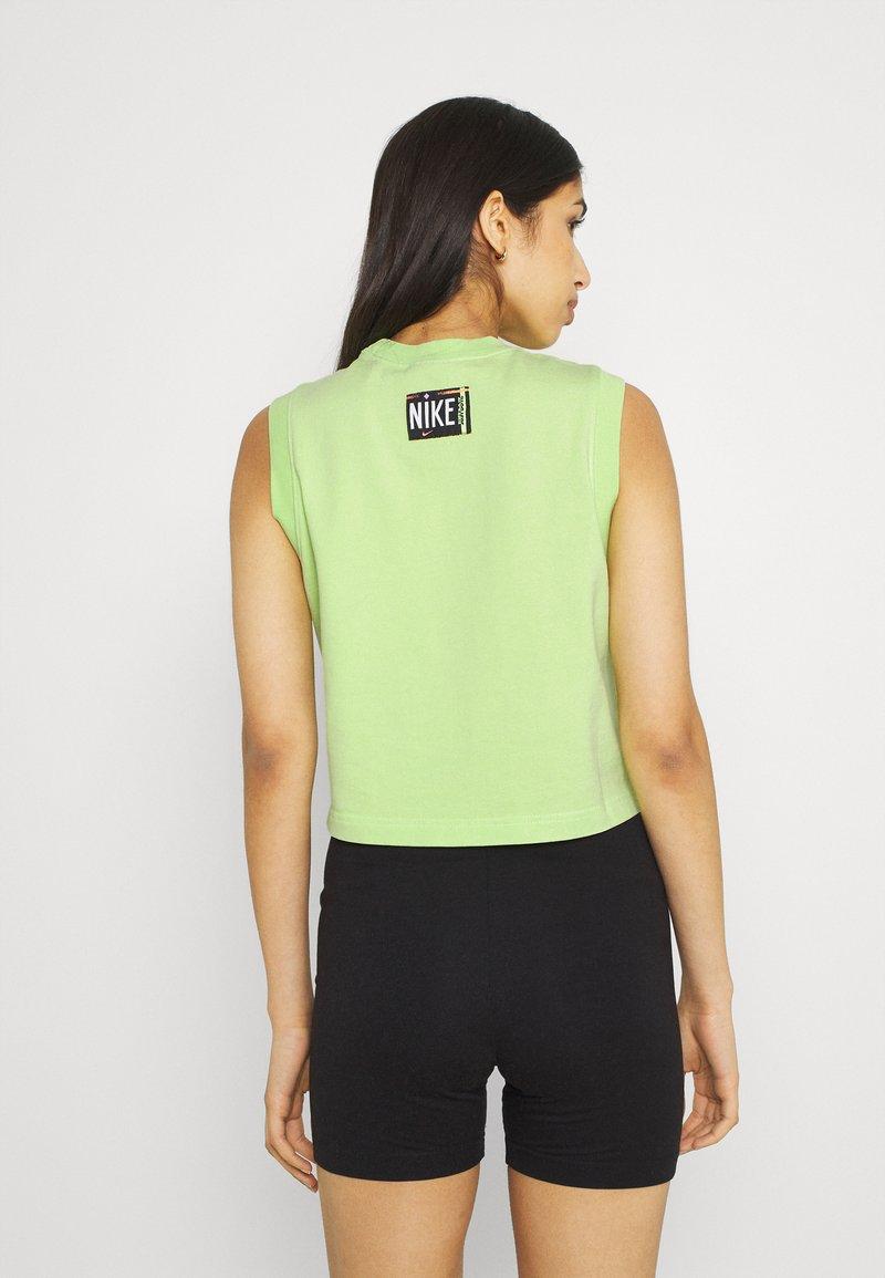 Nike Sportswear - WASH  - Top - ghost green/black