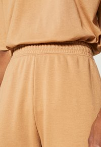 Missguided Tall - EXCLUSIVE SET - Tracksuit - tan - 7