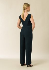IVY & OAK - Jumpsuit - bottle green - 1