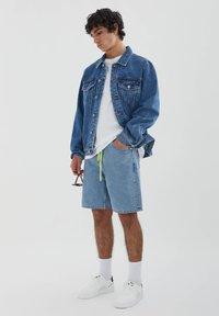 PULL&BEAR - Džínová bunda - blue denim - 1