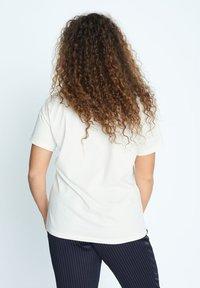 Violeta by Mango - EASYLUX2 - T-shirts print - wit - 2