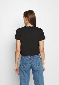 Calvin Klein Jeans - LOGO TRIM TEE - Print T-shirt - ck black - 2
