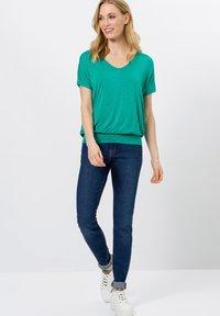 zero - Print T-shirt - emerald green - 1