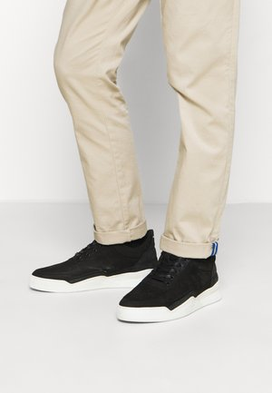 LOW TOP GHOST DECON - Sneakers basse - black/black