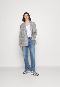 Mennace - BREEZE DOUBLE BREASTED CHECK SUIT JACKET - Blazer jacket - grey - 1