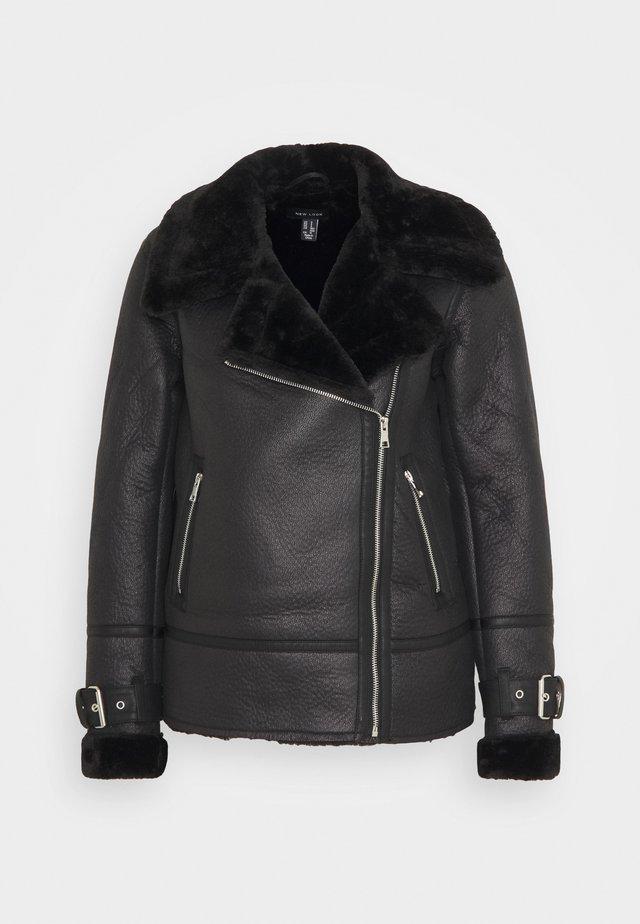AVIATOR CHRISSY  - Faux leather jacket - black