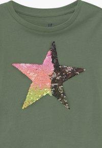 GAP - GIRLS - Print T-shirt - twig - 2