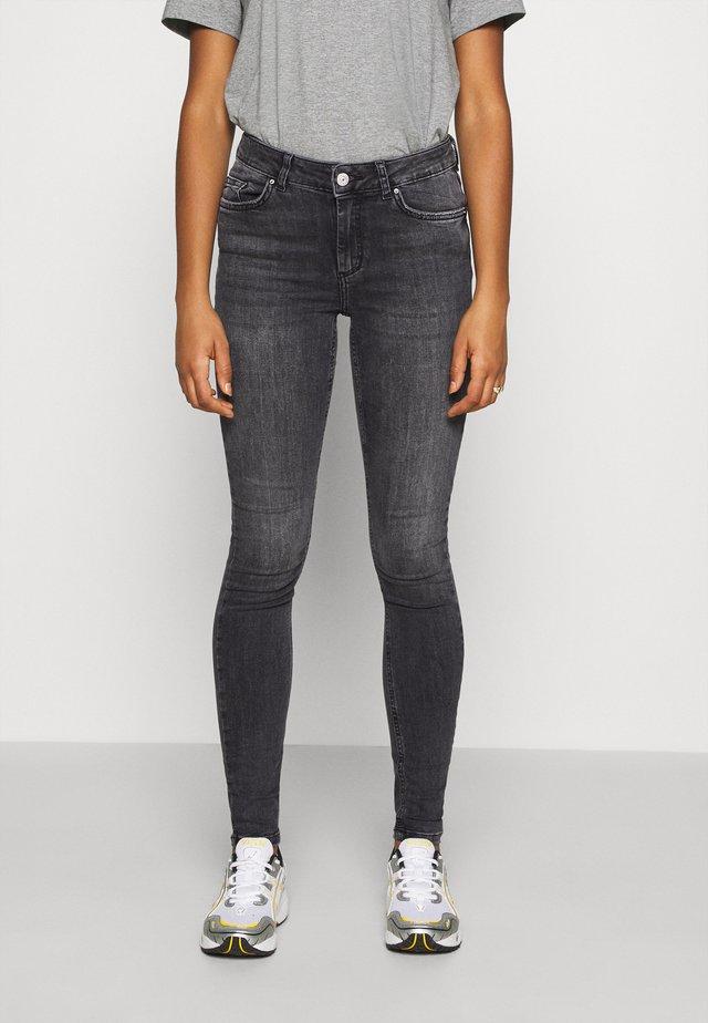 PCDELLY NOOS  - Skinny džíny - dark grey denim