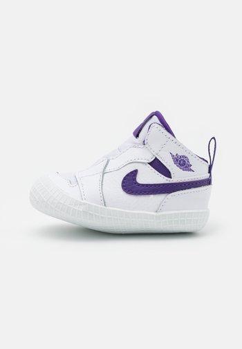 1 CRIB UNISEX - Scarpe da fitness - white/court purple