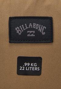 Billabong - COMMAND LITE UNISEX - Batoh - deep red - 5