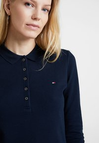 Tommy Hilfiger - HERITAGE LONG SLEEVE SLIM  - Polotričko - midnight