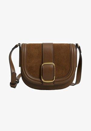 SAC CUIR BOUCLE - Across body bag - marron