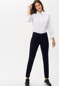 BRAX - STYLE SHAKIRA - Jeans Skinny Fit - clean dark blue - 1