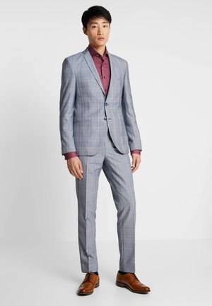 REINE SUIT - Completo - light blue