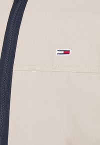 Tommy Jeans - ESSENTIAL CASUAL  - Tunn jacka - beige - 6