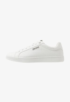 T306  - Trainers - white