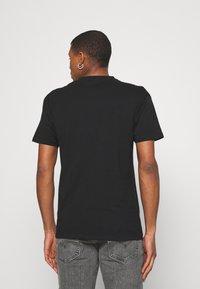 Nominal - NEW YORK TEE - Print T-shirt - black - 2