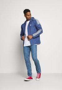 adidas Originals - STRIPES - Veste légère - crew blue - 1