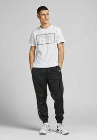 Jack & Jones - 3 PACK - T-shirt print - navy blazer - 0
