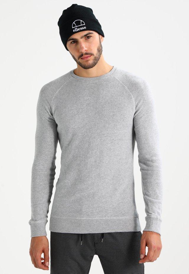 RAGLAN CREW - Trui - stone grey