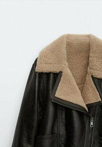 Massimo Dutti - BIKER LAMMFELL - Leather jacket - black - 5