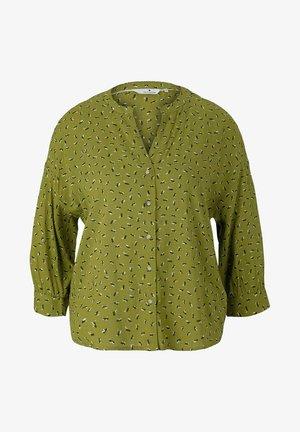 Blouse - green geometrical design
