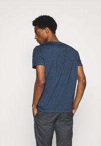 Marc O'Polo - Basic T-shirt - total eclipse - 2