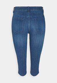 Vila - VIJEGGY CAPRI - Shorts - medium blue denim - 1