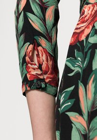 King Louie - ROSIE MIDI DRESS FLORENCE - Shirt dress - black - 4
