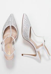 Alma en Pena - Classic heels - white - 3
