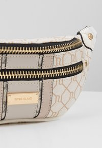 River Island - CHECKERBOARD BUMBAG - Bæltetasker - light grey - 3
