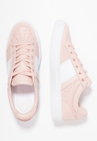 Lacoste - COURTLINE  - Trainers - nat/white - 3