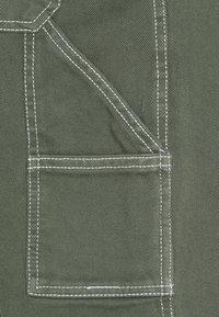 Kaotiko - CARPENTER TROUSERS UNISEX - Trousers - olive - 3