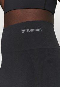 Hummel - SEAMLESS - Shorts - black - 4