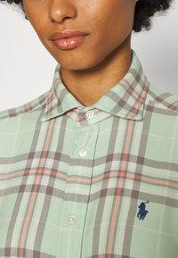 Polo Ralph Lauren - GEORGIA LONG SLEEVE BUTTON FRONT - Button-down blouse - green/multi - 4