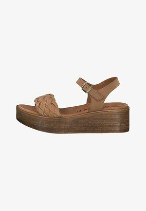 Sandalen met plateauzool - cuoio