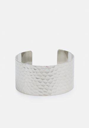 PCPANNY BRACELET CUFF - Armbånd - silver-coloured