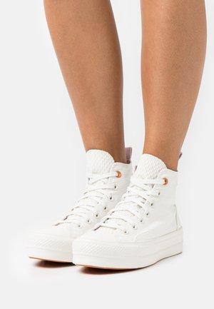 CHUCK TAYLOR ALL STAR LIFT - Sneakers hoog - vintage white/egret/himalayan salt